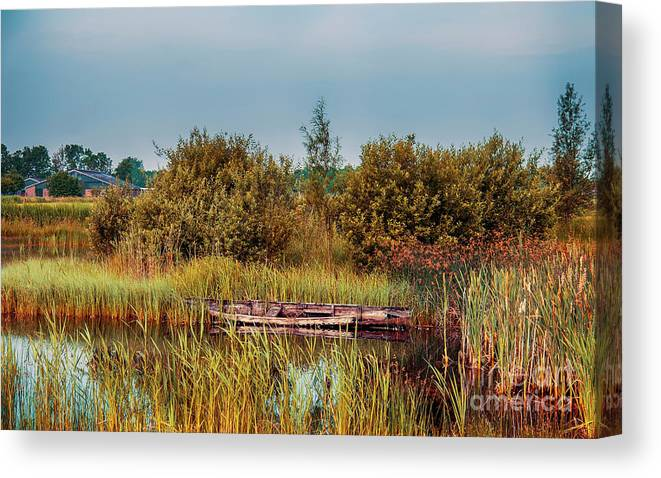Water Canvas Print featuring the photograph Sunset At River In Old Dutch Village by Ariadna De Raadt