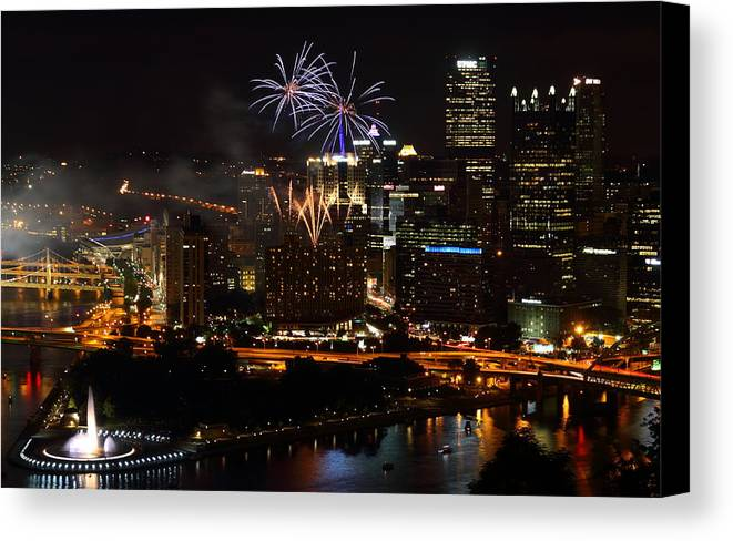 Pittsburgh Canvas Print featuring the photograph 4th Of July Firworks In Pittsburgh by Jetson Nguyen