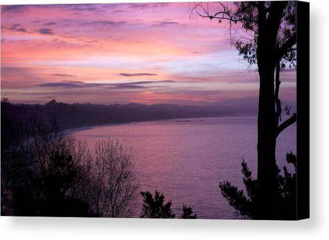#sunrise #california #capitola #santacruz #seacliff #landscape Canvas Print featuring the photograph Capitola Bluffs by Lora Lee Chapman