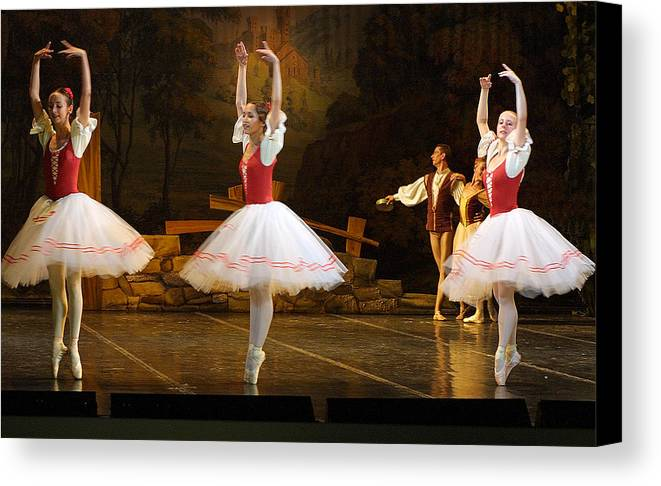 Travel Canvas Print featuring the photograph On Point Russian Ballet by Linda Phelps
