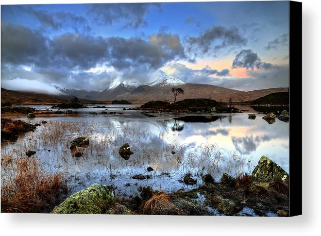 Scotland Canvas Print featuring the photograph The Blackmount by Douglas Ritchie