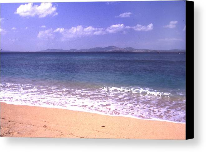 Kinawa Canvas Print featuring the photograph Okinawa Beach 16 by Curtis J Neeley Jr