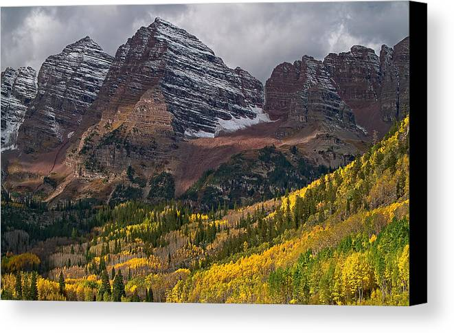 Maroon Bells Canvas Print featuring the photograph The Maroon Bells by Tim Reaves