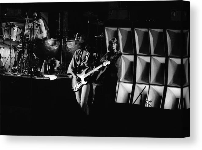 Classic Rock Canvas Print featuring the photograph Heart #11 by Ben Upham