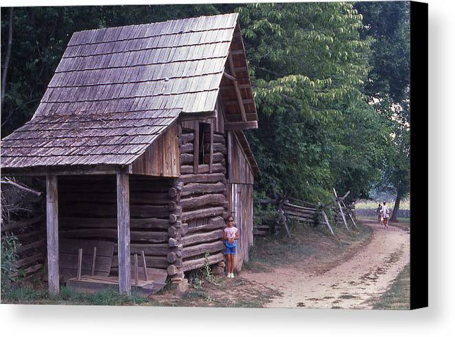 Homeplace Canvas Print featuring the photograph Homeplace - 6 by Randy Muir