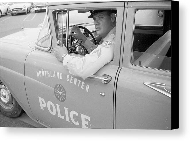 Mid Adult Canvas Print featuring the photograph Shopping Police by Ecell