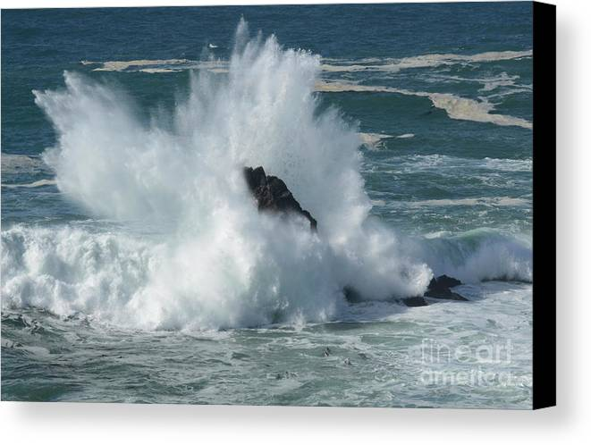 Pacific Ocean Canvas Print featuring the photograph Splash by Bob Christopher