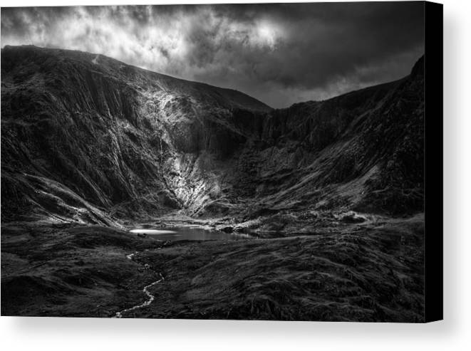 Snowdonia Canvas Print featuring the photograph Shaft Of Light At Cwm Idwal by Rory Trappe