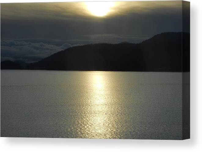 Ocean Canvas Print featuring the photograph Peace On The Water by Coleen Harty