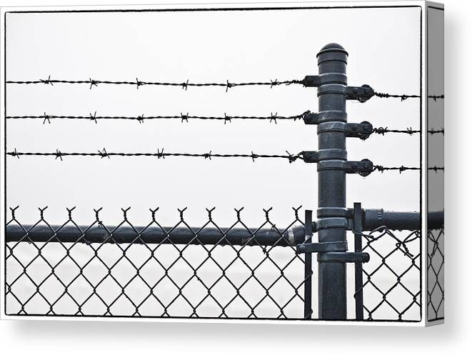Wall Canvas Print featuring the photograph Wet Barbed Wire Fence In Heavy Fog E69 by Wendell Franks