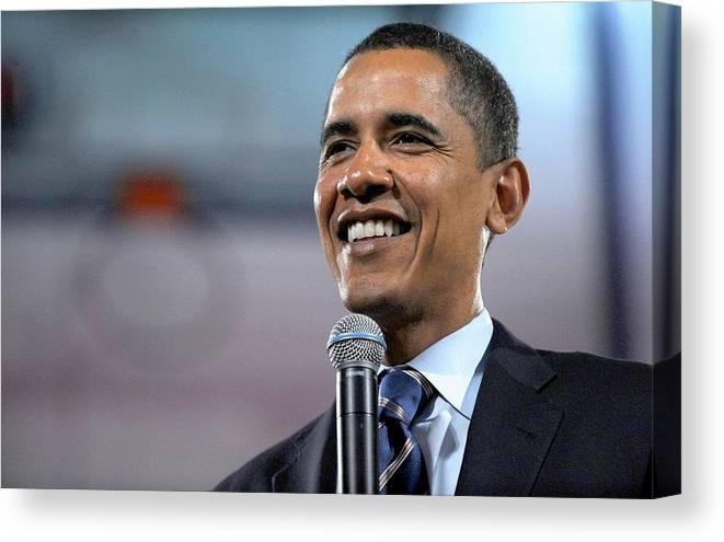 Malvern - Barack Obama U.s. Presidential Campaign Trail Canvas Print featuring the photograph U.s. Democratic Presidential Candidate by Everett