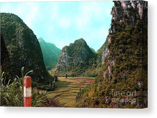 Landscape Canvas Print featuring the photograph Hidden Valley by Dot Xie