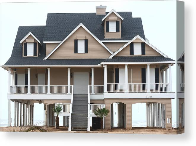 House Canvas Print featuring the photograph W Beach House by David Houston