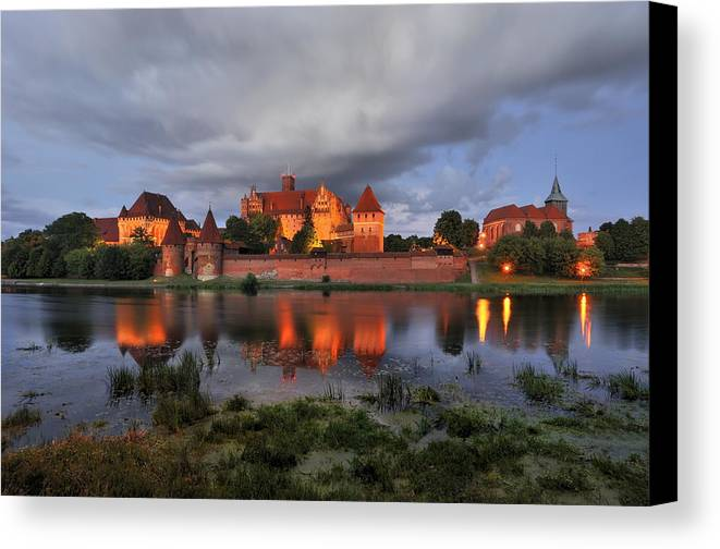 A Huge Castle Canvas Print featuring the photograph Castle by Jan Sieminski