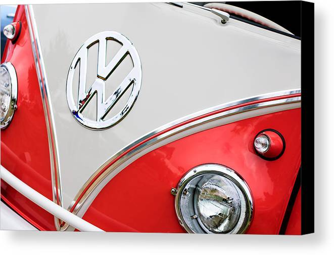 1960 Volkswagen Vw 23 Window Microbus Emblem Canvas Print featuring the photograph 1960 Volkswagen Vw 23 Window Microbus Emblem by Jill Reger