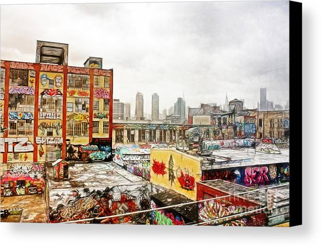 5points Canvas Print featuring the photograph 5 Pointz In Itz Prime by Nishanth Gopinathan