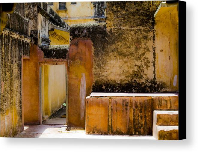 Amber Fort Canvas Print featuring the photograph Amber Fort by Kabir Ghafari