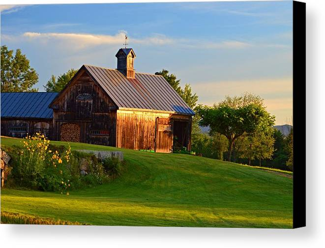 Barn Canvas Print featuring the photograph Barn Sunrise by Sharon L Stacy