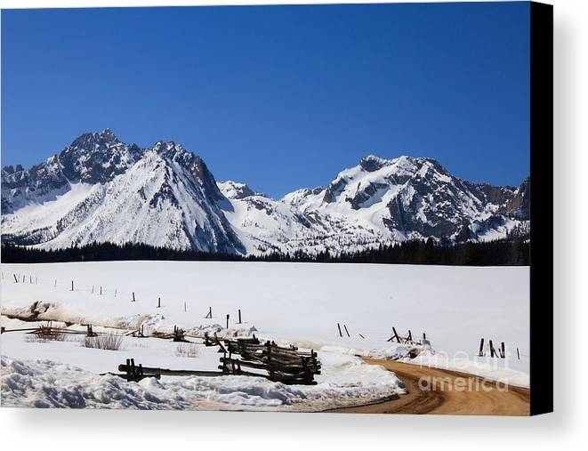 Rocky Mountains Canvas Print featuring the photograph Beautiful Sawtooth Mountains by Robert Bales