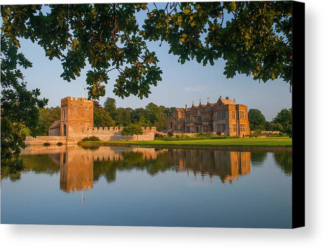 Banbury Canvas Print featuring the photograph Broughton Castle by David Ross