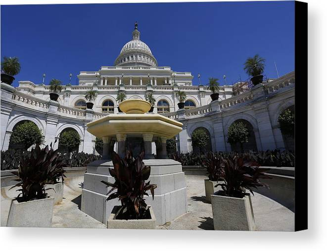Us Capitol Canvas Print featuring the photograph Capitol Fountain by Dan Neri