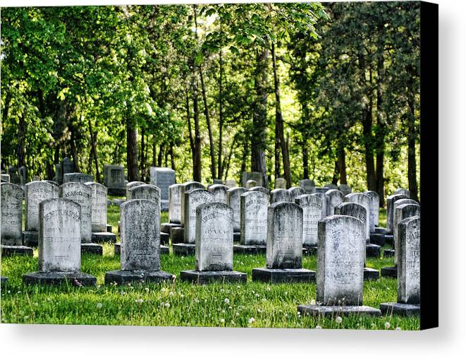 Civil War Gaves Canvas Print featuring the photograph Civitl War Warrior Graves by Linda Phelps