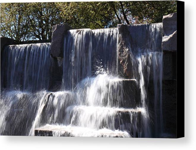 America Canvas Print featuring the photograph Fdr Memorial - Washington Dc - 01131 by DC Photographer