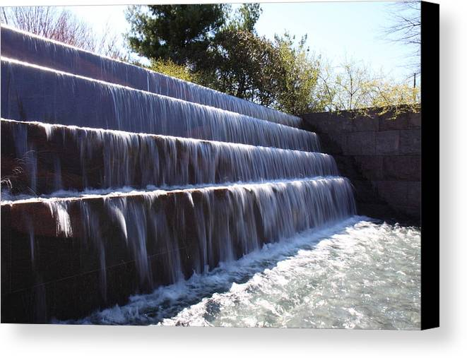 America Canvas Print featuring the photograph Fdr Memorial - Washington Dc - 01134 by DC Photographer