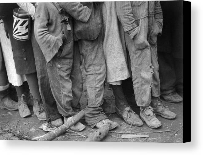 1937 Canvas Print featuring the photograph Flood Refugees, 1937 by Granger