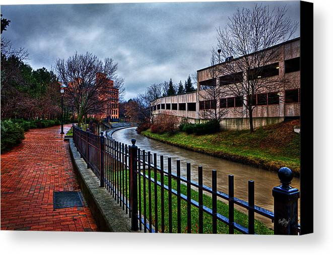 Franklin Canvas Print featuring the photograph Franklin Park by Everet Regal