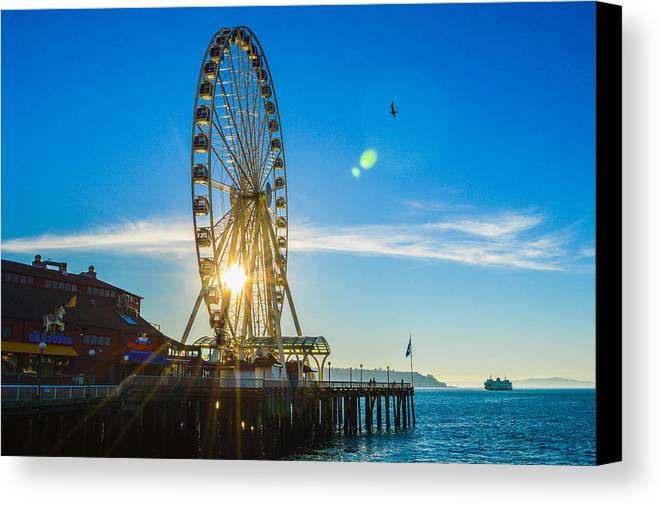Seattle Canvas Print featuring the photograph Golden Sunshine by Charis Wilson