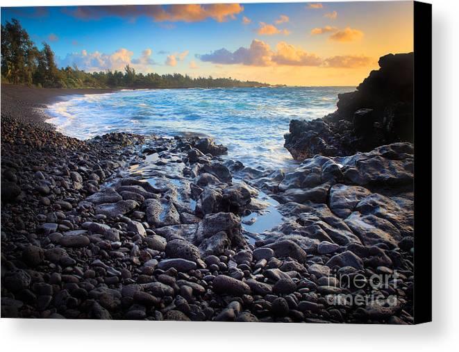 America Canvas Print featuring the photograph Hana Bay Sunrise by Inge Johnsson