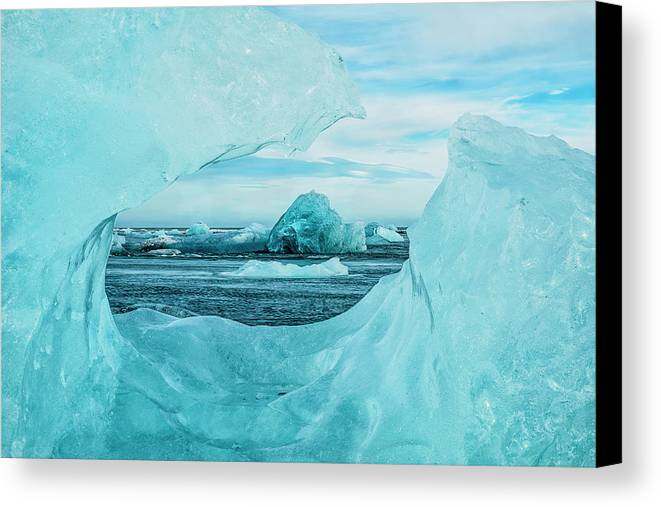 Blue Sky Canvas Print featuring the photograph Icebergs On The Southern Beach by Robert Postma
