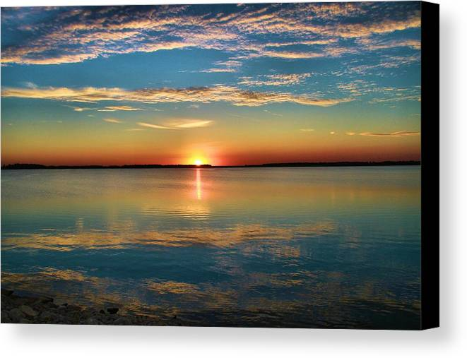 Lima Ohio Sunset Canvas Print featuring the photograph Lima Ohio Sunset by Dan Sproul