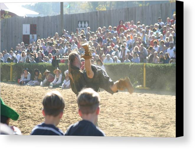 Maryland Canvas Print featuring the photograph Maryland Renaissance Festival - Jousting And Sword Fighting - 1212110 by DC Photographer
