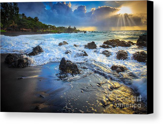 America Canvas Print featuring the photograph Maui Dawn by Inge Johnsson