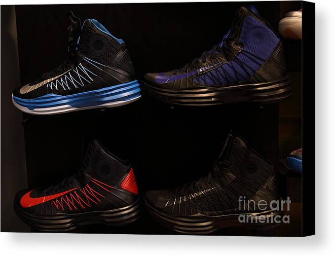Shoe Canvas Print featuring the photograph Men's Sports Shoes - 5d20654 by Wingsdomain Art and Photography
