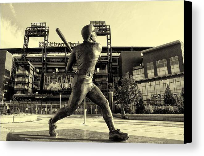 Mike Schmidt At Bat Canvas Print featuring the photograph Mike Schmidt At Bat by Bill Cannon