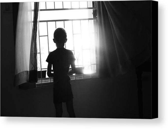 Child Canvas Print featuring the photograph Missing Daddy by Dexter Browne