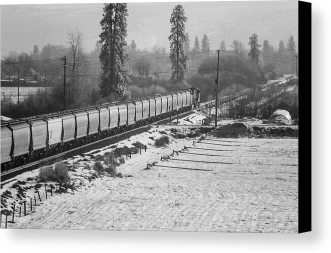 Montana Canvas Print featuring the photograph Montana Train by Paul Bartoszek