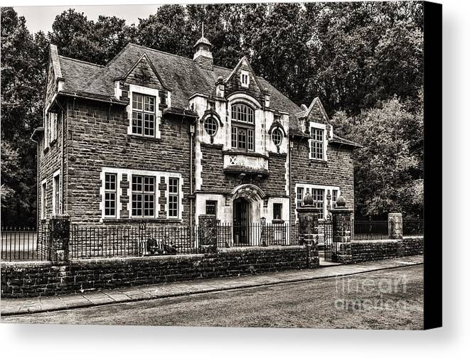 Oakdale Workmens Institute Canvas Print featuring the photograph Oakdale Workmens Institute Mono by Steve Purnell