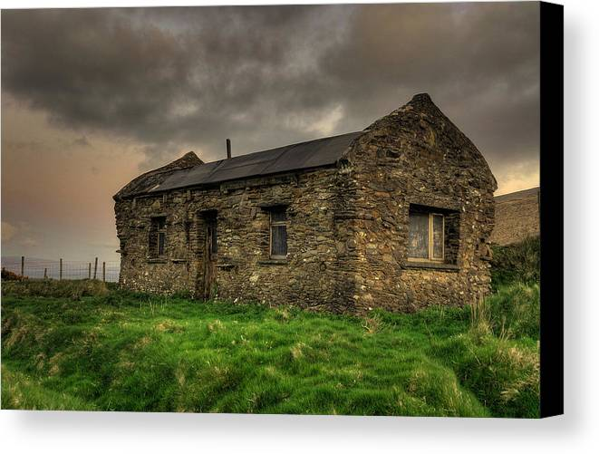 House. Old Canvas Print featuring the photograph Old Irish Hut by Gearoid Casey
