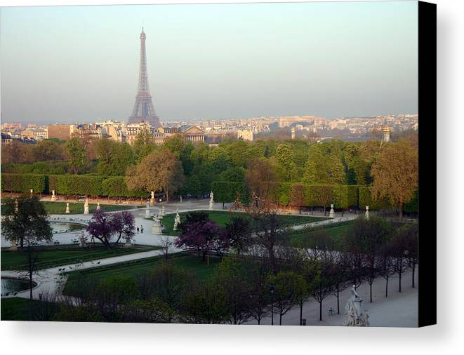 Paris Canvas Print featuring the photograph Paris Autumn by A Morddel