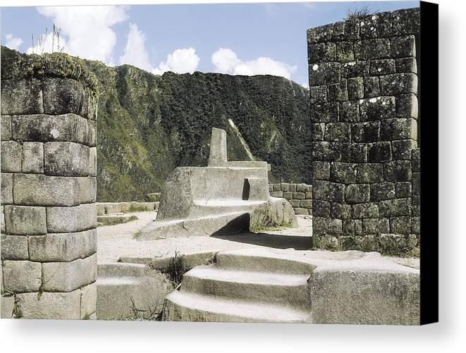 Horizontal Canvas Print featuring the photograph Peru. Cuzco. Machu Picchu. Incaic by Everett