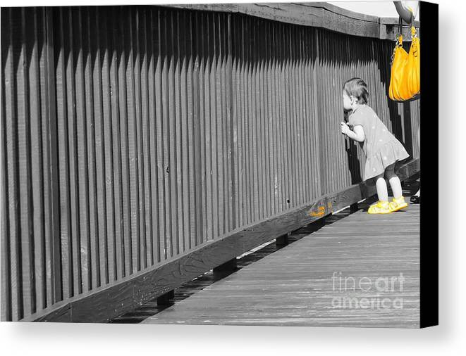 Pier Canvas Print featuring the photograph Pier by Lynda Dawson-Youngclaus