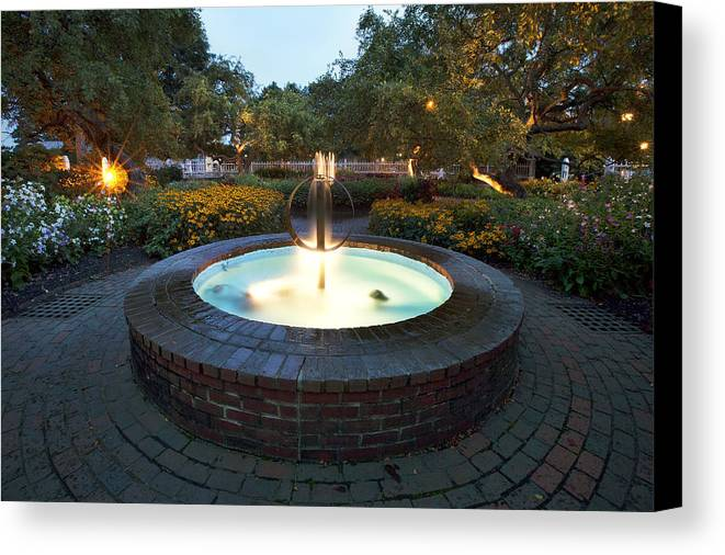 Prescott Fountain Canvas Print featuring the photograph Prescott Fountain by Eric Gendron