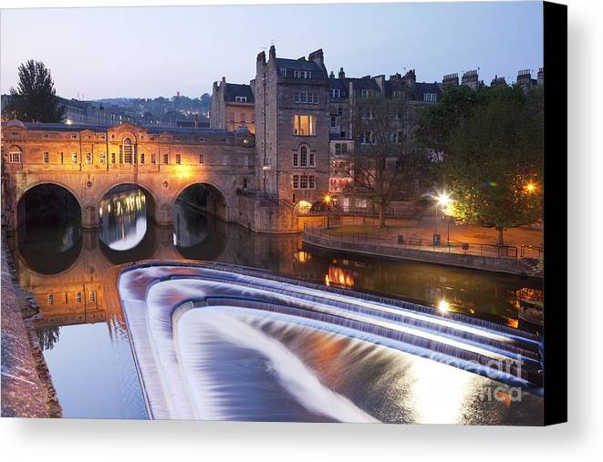 Architecture Canvas Print featuring the photograph Pulteney Bridge And Weir Bath by Colin and Linda McKie