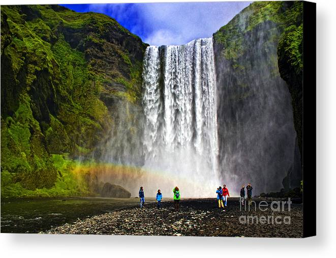 Landscape Canvas Print featuring the photograph Skogarfoss by Roberta Bragan