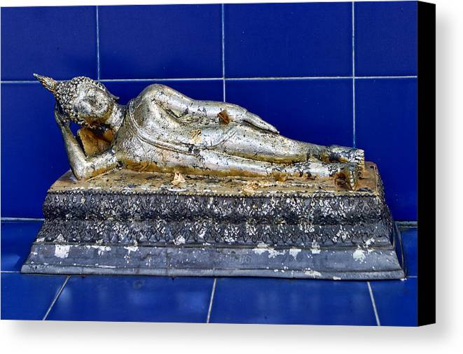 Travel Canvas Print featuring the photograph Small Reclining Budda by Linda Phelps