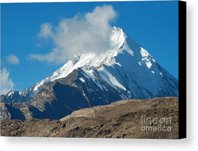 India Canvas Print featuring the photograph Snow Mountain by Yew Kwang